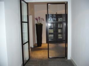 grote glazen deuren met stalen frame ByCK