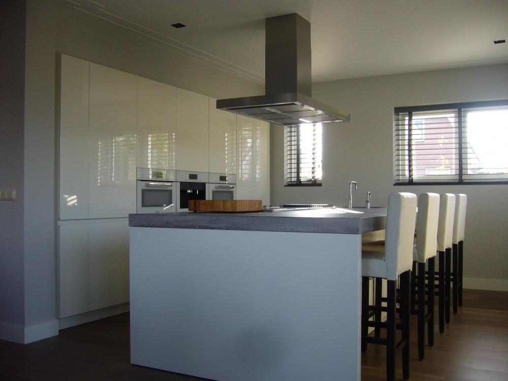 Byck stijlvolle en strakke keuken - Keuken platform ...